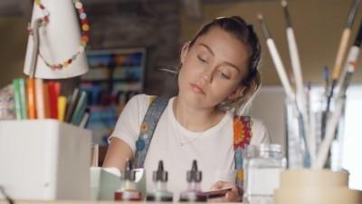 """CONVERSE """"Miley Cyrus"""" - Michel Gondry"""